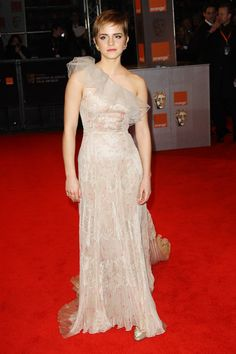 Emma Watson Photos Photos - (UK TABLOID NEWSPAPERS OUT) Emma Watson arrives at the Orange British Academy Film Awards 2011 held at The Royal Opera House on February 13, 2011 in London, England. - Orange British Academy Film Awards - Inside Arrivals