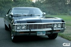 Chevy Impala '67 ..sexy ride ;)