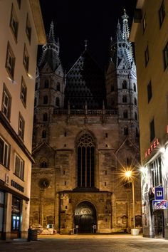 | Stephansdom -Mike Bakker
