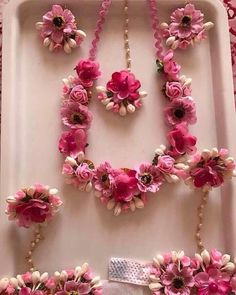 Think pretty pink floral jewellery to go for your mehendi outfit 💕 Flower Decorations, Wedding Decorations, Flower Jewellery For Haldi, Mehendi Outfits, Flower Ornaments, Wedding Wear, Wedding Tips, Diy Wedding, Wedding Flowers