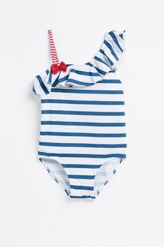 Bañadores para niños  http://stylelovely.com/moda-ninos/los-banadores-mas-cool-los-mas-pequenos/