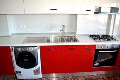 MDF Vopsit Lucios 18 mm Raza 2 mm Ral 9003 Alb Lucios baterie din inox  Alveus Ferrari, Kitchen Cabinets, Kitchen Appliances, Home Decor, Diy Kitchen Appliances, Home Appliances, Decoration Home, Room Decor, Kitchen Base Cabinets