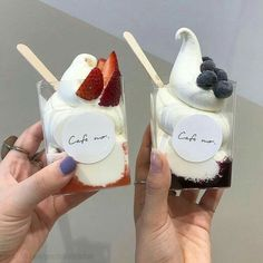Discovered by Jazz. Find images and videos about food, delicious and theme on We Heart It - the app to get lost in what you love. Think Food, I Love Food, Good Food, Yummy Food, Cute Desserts, Dessert Recipes, Dessert Food, Cafe Food, Aesthetic Food