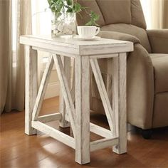Aberdeen Chairside Table I Riverside Furniture 14x26x24H