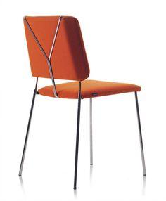 Frankie stol från Johanson Design. Många alternativ klädsel och stativ. Stapelbar. PRIS 2250:-