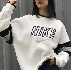 Swag Outfits For Girls, Nike Outfits, Retro Outfits, Cute Casual Outfits, Vintage Outfits, Nike Vintage, Sweat Shirt, Ensemble Nike, Vintage Nike Sweatshirt