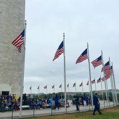 #Repost @dario_way  То чему у американцев точно нужно учиться так это знать/чтить свою историю и красиво показывать её другим... Количество и исполнение  исторических монументов музеев мемориалов в #washingtondc потрясает.  #washingtonmonument #usa #usahistory #flag #вашингтон #одногоднямало #длялюбителеймузеев #бесплатно
