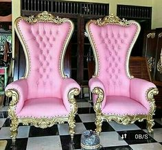 Officer Colony Number Y Block,,, Dogar chunk. King Furniture, Dream Furniture, Home Decor Furniture, Furniture Design, Luxury Home Decor, Luxury Homes, Pink Dressing Tables, Mansion Interior, Dark Interiors
