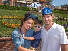 Vanessa Lachey // Moms We L❤️VE | Nick Lachey and Venessa Lachey Spend an Adorable Day at #Disneyland With Son Camden #Celebrity