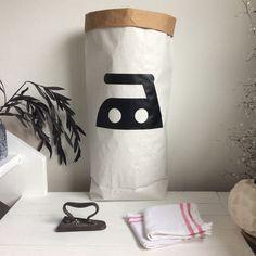 *BÜGELEISEN - Iron * Paperbag * Papiersack * LIVING BAG * Aufbewahrung * Ordnung  Farbe: schwarz matt  aber in vielen anderen Farben möglich.    Wir stellen dir hier unseren trendigen PAPERBAG...