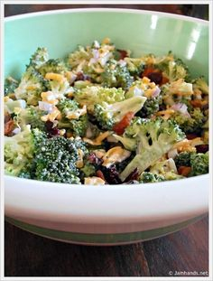 The Best Broccoli Salad 2 heads fresh broccoli (not frozen) cup red onion, chopped pound bacon 1 cups grated cheddar cheese, to cup of dried cranberries (you can sub raisins as well) 2 tablespoons vinegar 1 cup mayonnaise cup sugar I Love Food, A Food, Good Food, Yummy Food, Great Recipes, Favorite Recipes, Family Recipes, Clean Eating, Healthy Eating