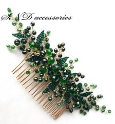 combs Floral hair comb decorated with handmade leaves and shiny crystals Kristal tarak bilgi iin - DM Decorative Hair Combs, Hair Brooch, Hair Decorations, Bridal Hair Pins, Hair Beads, Floral Hair, Hair Ornaments, Wedding Hair Accessories, Bridal Headpieces