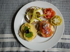 Linda Williams - Peters Yard Crisp-bread with Westlands Heritage Tomatoes and Westlands Inspired Flowers