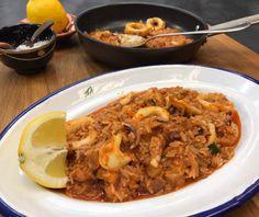 Καλαμάρι με ρύζι Food Categories, Fish And Seafood, Macaroni And Cheese, Food And Drink, Rice, Cooking Recipes, Chicken, Meat, Sea Food