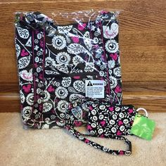 Mickey Meets Birdie Bundle :-) BRAND NEW WITH TAGS! I bought and decided on something else!! ✨ this print was just released. Vera Bradley Bags Crossbody Bags