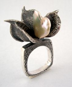 Karine Rodrigue; texture texture texture... with baroque pearl..