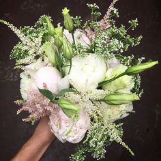 blush and white peony bouquet, queen anne's lace with lisianthus
