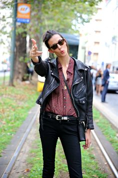 Sexy chill - leather jacket, tucked in button-down, and skinny black jeans. Ruby Aldridge