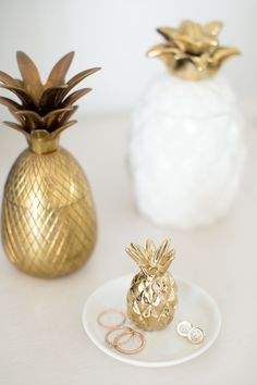 Bridal shower gift idea - gold pineapple ring dish - perfect for the bride-to-be {Courtesy of Lauren Conrad} Pineapple Jewelry, Gold Pineapple, Handmade Jewelry Box, Before And After Diy, Gold Bedroom, Ring Dish, Bridal Shower Gifts, Lc Lauren Conrad, Trends