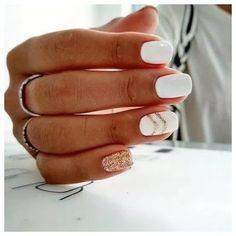 White Nail Art Designs, um den ganzen Winter lang zu rocken Brit + Co - Estella K. White Nail Art Designs, um den ganzen Winter lang zu rocken Brit + Co - de nail art Square Nail Designs, Nagellack Trends, White Nail Art, White Gold Nails, White Manicure, White Short Nails, Gold Gold, Neutral Nail Art, White Art