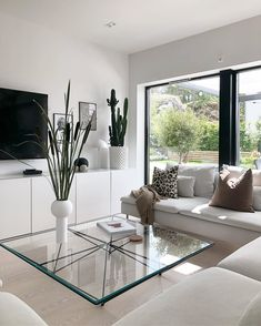 On the off chance that you like DIY things for your home and yard that cost by nothing, these 21 inv Elegant Living Room, Boho Living Room, Cozy Living Rooms, Living Room Interior, Home Interior Design, Home And Living, Living Room Decor, Bungalow Living Rooms, Apartment Living