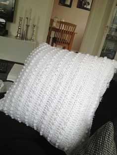 Romantic Pillow Cover By Rayn Blair - Free Crochet Pattern - (ravelry)