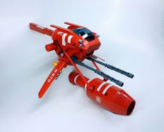Chaser R4 | For a short time the Red Empire produced a limited batch of small fighters tethered to engines of much larger vessels. Benefits were obvious. I've snapped out of my gray funk for a minute and remembered I have colored Lego as well.