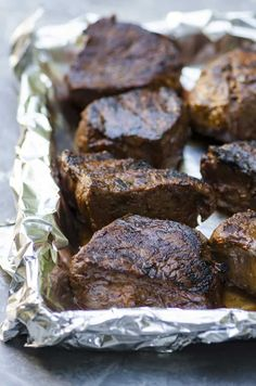 This four ingredient Grilled Steak Marinade is packed with classic BBQ flavor. A wonderful choice for summer parties! Sirloin Steak Recipes, Steak Marinade Recipes, Top Sirloin Steak, Grilled Steak Recipes, Grilling Recipes, Meat Recipes, Cooking Recipes, Steak Marinades, Grilling Ideas