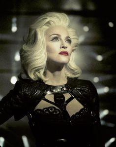 Madonna what a Goddess Angelina Jolie, Madonna Now, Madonna Music, Veronica, Divas Pop, Best Female Artists, Madona, Madonna Fashion, Madonna Pictures