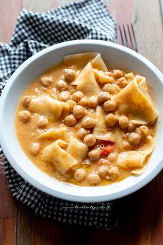 Traditional Lasagna and Chickpea Soup Pasta Recipes, Soup Recipes, Vegetarian Recipes, Fall Recipes, New Recipes, Pasta Al Pesto, Confort Food, Traditional Lasagna, Chickpea Soup