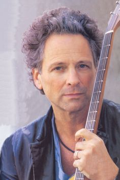 Lindsey Buckingham - I met Lindsey and Christine Mcvie in 1985 at the Montcalm Hotel just delivering his plane tickets Stevie Nicks Lindsey Buckingham, Buckingham Nicks, Beautiful Voice, Beautiful People, Stevie Nicks Fleetwood Mac, Great Bands, Star Fashion, Rock And Roll, Singer