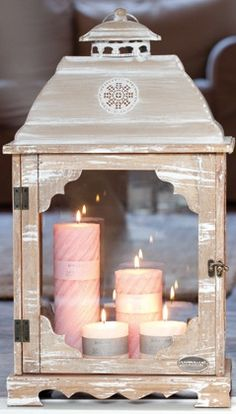 Love the pink candles in the lantern!
