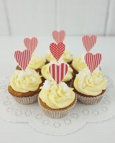 Hummingbird cupcakes (banana, coconut, pineapple - with passion fruit in the icing)