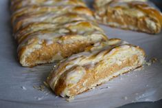 Braided Pumpkin Cheesecake Danish - uses crescent dough Yummy Treats, Delicious Desserts, Sweet Treats, Yummy Food, Pumpkin Recipes, Fall Recipes, Holiday Recipes, Thanksgiving Recipes, Pumpkin Dessert