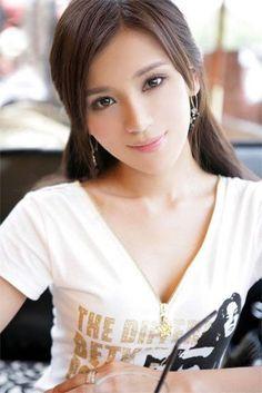 Asian beautiful girl - Juan Sun - Zimbio