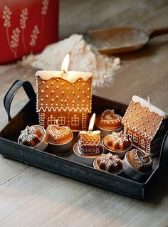 ❥ gingerbread house candles
