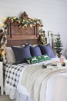 Rustic Christmas Master Bedroom - Shades of Blue Interiors Christmas Bedroom, Farmhouse Christmas Decor, Cozy Christmas, Modern Christmas, Rustic Christmas, Simple Christmas, Beautiful Christmas, Christmas Interiors, Primitive Christmas