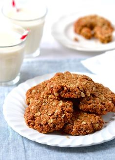 The ultimate Chewy Coconut-Oat Cookies – that just so happen to be vegan & gluten free! | coconutandberries.com