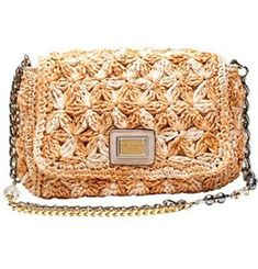 tejido Dolce & Gabbana: http://www.lostinvogue.com/general/crochet