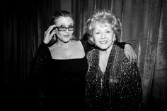 Carrie Fisher and Debbie Reynolds' various treasures from Hollywood will be auctioned off for potential buyers in September. Debbie Reynolds Carrie Fisher, Carrie Frances Fisher, Carrie Fisher Daughter, Shiga, Julie Andrews, Alfred Hitchcock, Hollywood Stars, Carrie Fisher Photos, Star Wars