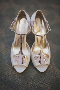 Stunning shoes: http://www.stylemepretty.com/canada-weddings/2015/03/31/vintage-chic-toronto-fall-wedding/ | Photography: Up In The Clouds Photography - www.upintheclouds.ca