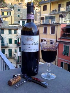 Casanova di Neri Brunello di Montalcino 2003 Italian wine from Tuscany made from Sangiovese