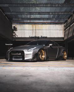 ⚠️⚠️⚠️   @tunercult_gtr   - - - #gtr #r35 #r33 #r34 #skyline #nissan #nissangtr #nissangtrr35 #r35nismo #exotics #jdm #jdmdaily #jdmlife… Nissan Gt R, Skyline Gtr, Nissan Skyline, Nissan Godzilla, Jdm Imports, Gtr R35, Nissan Infiniti, Import Cars, Sweet Cars