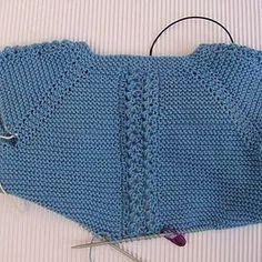 tutorial para hacer Jersey de Bebé, instrucciones y video Knit Or Crochet, Crochet Baby, Knitting Patterns, Crochet Patterns, Baby Kimono, Knitted Baby Clothes, Baby Wearing, Baby Knitting, Stitch