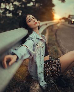 You May Enjoy photography poses By Using These Useful Tips Creative Portrait Photography, Portrait Photography Poses, Photography Poses Women, Tumblr Photography, Photography Tips, Travel Photography, Flower Photography, People Photography, Landscape Photography