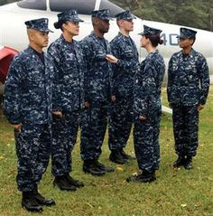 In the Navy debuted a new blue, black and gray uniform named Navy Working Uniform Type I. It just had a couple of hiccups: It melted in heat, weighed a ton and was effective camouflage only for sailors who happened to find themselves in water. Navy Uniforms, Work Uniforms, The Scottish Play, Cnn Politics, Blue Camo, United States Navy, American Soldiers, New Blue, Us Navy