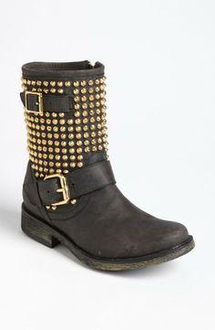 biker boot + gold studs Steve Madden Boots, Biker Boots, Crazy Shoes, Girls e83844c5bf