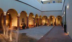 Hotel Casa de Aves cuenta con un gran patrocinador como lo es Hotel La Morada, quien en sus instalaciones, ofrece un ambiente de confort y lujo, con posibilidades de tener a la mano los puntos principales de San Miguel de Allende. www.cincochefs.com