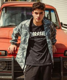 Thrasher T. Model Poses Photography, Photography Reflector, Photography Jobs, Photography Basics, London Photography, Photography Backdrops, Newborn Photography, Fashion Photography, Photo Poses For Boy