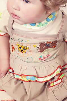 Pet Clothes, Kids Clothing, Safari, Kids Outfits, Vogue, Models, Classic, Cute, Bloomer